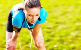 От чего бывает одышка во время пробежки, в состоянии покоя и что с ней делать?