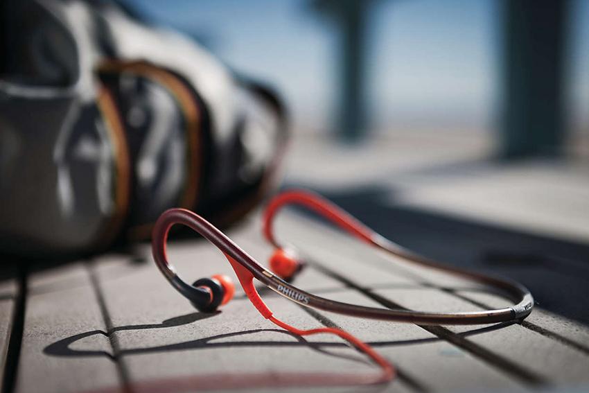Как правильно выбрать спортивные наушники для бега