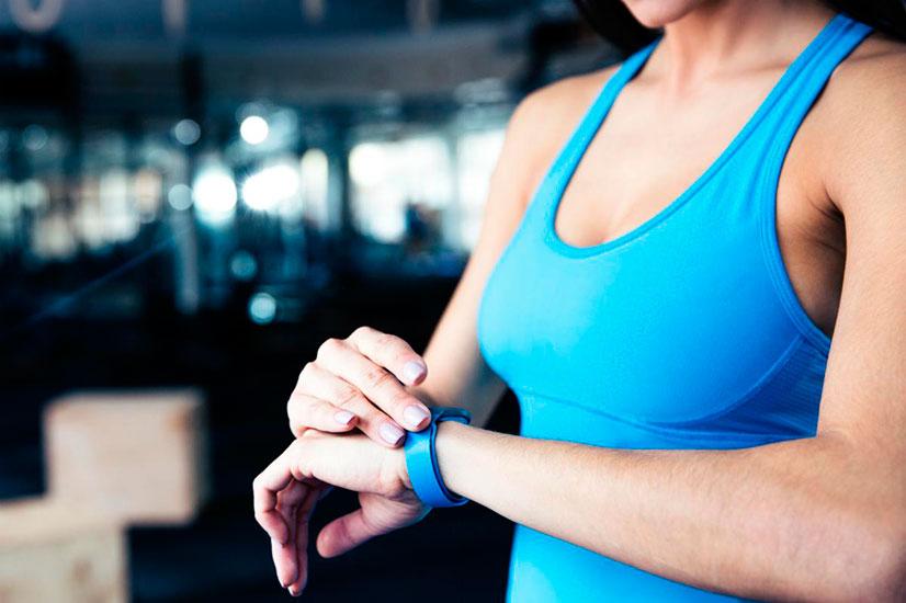 fitness-tracker-wrist