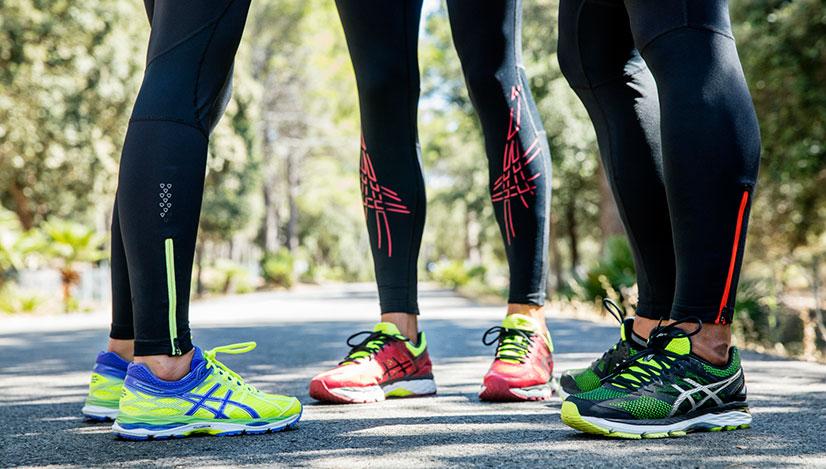 86a57437 Кроссовки считались только спортивной обувью, но в 50-х годах они  приобретают модный оттенок и становятся популярными у подростков.