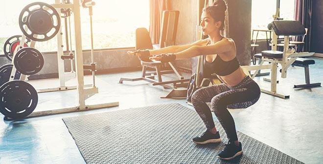 Упражнения в зале для ног для девушек