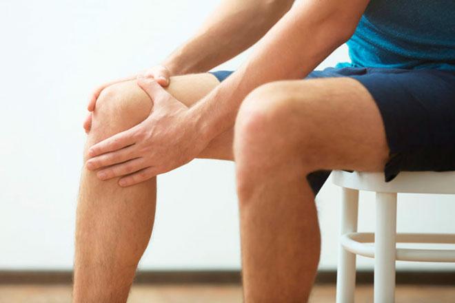 Опухает колено после бега
