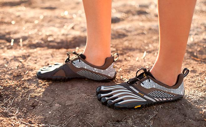 Как выбрать и где найти кроссовки с пальцами?