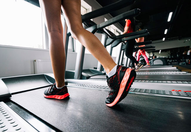 Как правильно составить программу тренировок на беговой дорожке?