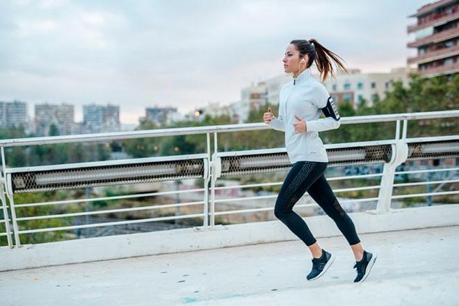 Лучшие женские кроссовки для бега, их цена